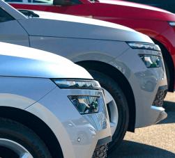 setor automotivo - sequência de carros